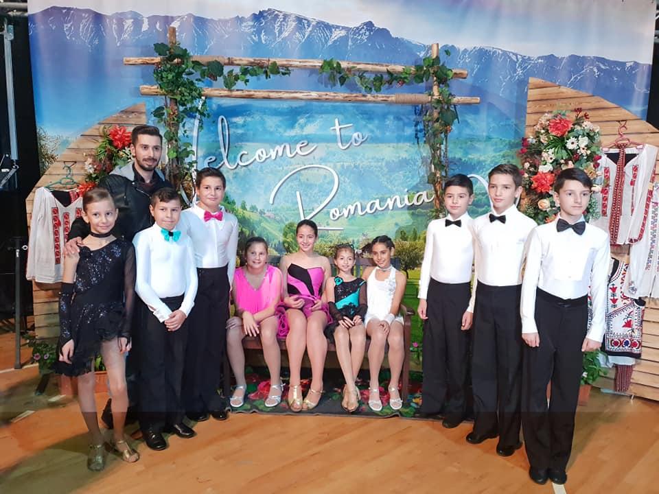 Dansatori Academia de Dans Azuga